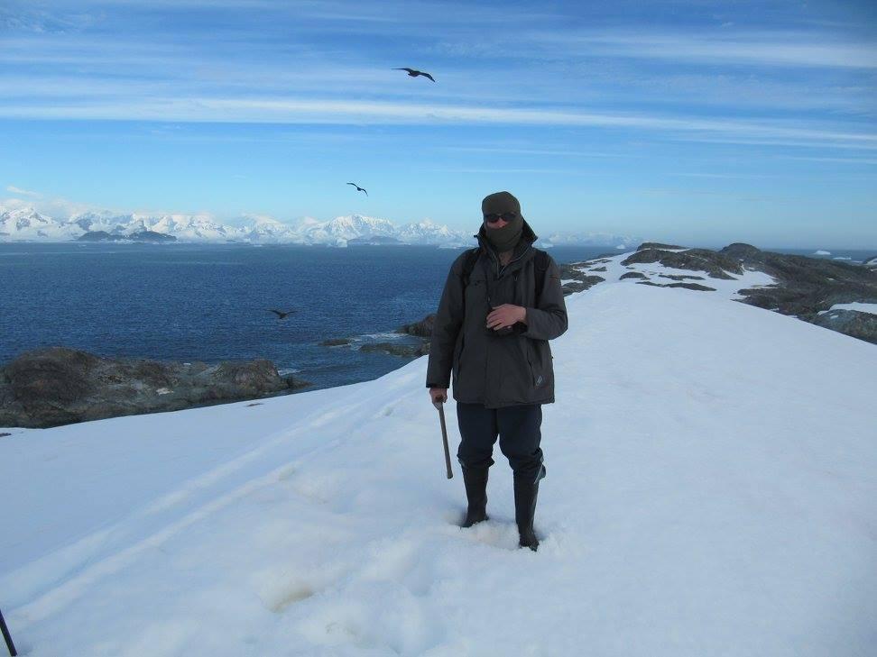 Маршрут по ледовику острова Уругвай. Пытаемся достичь наивысшей точки - места находок красных яшмоидов